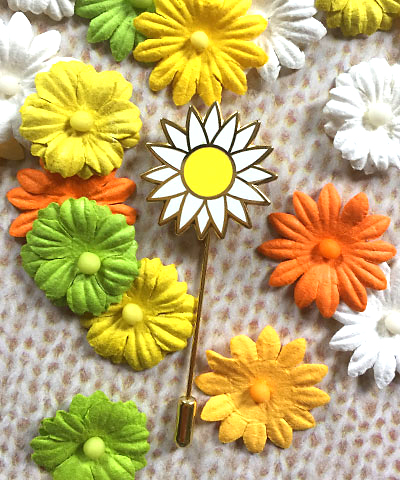GLP_stickpin_daisy